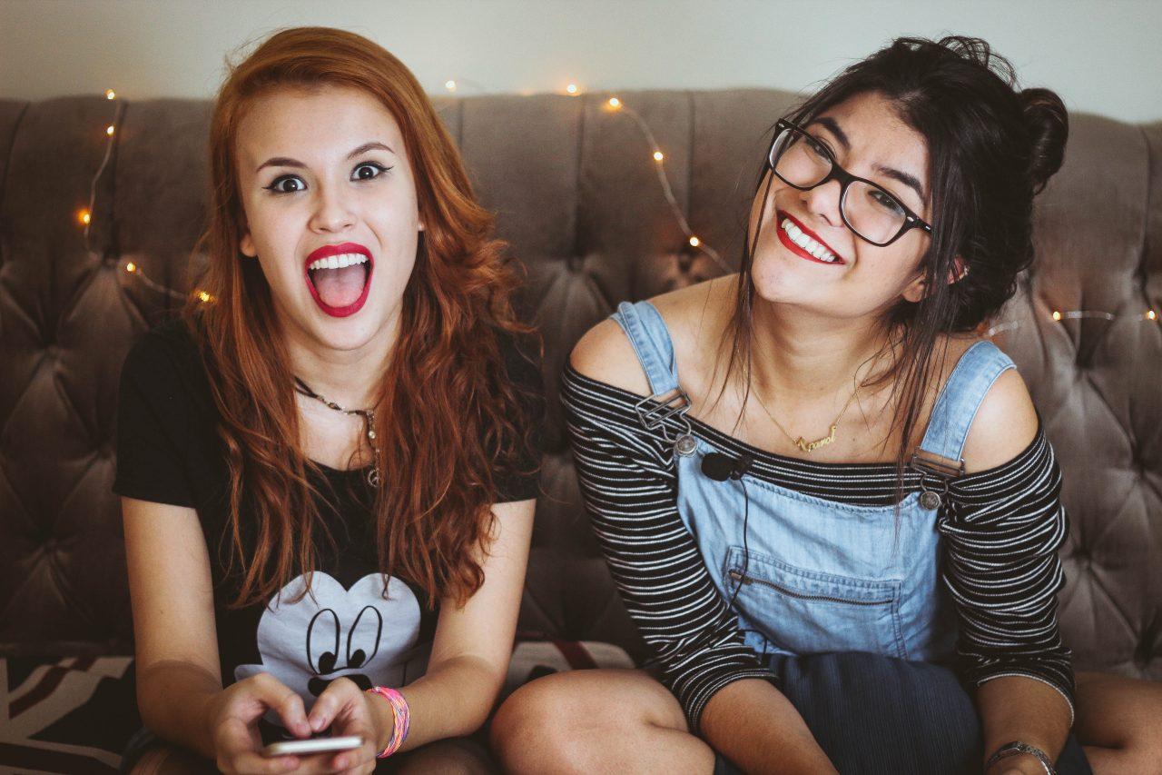 Растяжки у подростков: причины появления и способы устранения